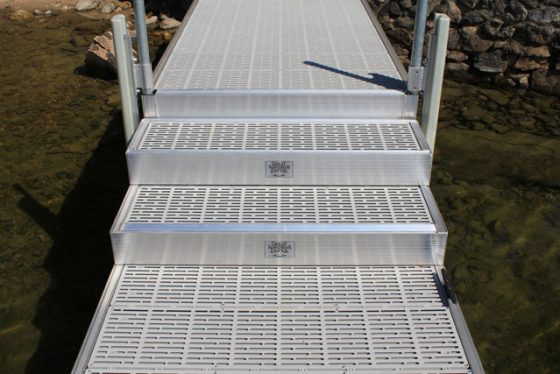 Box Steps (used with Dock Step Adjustment Kit)