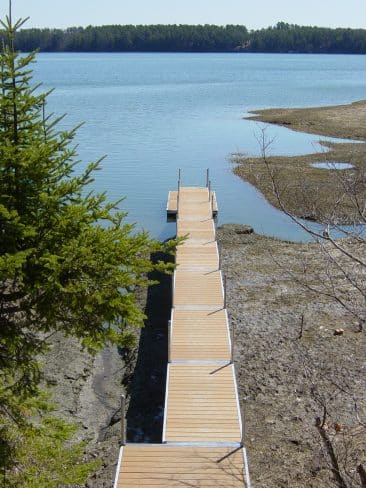 Tidal walkway
