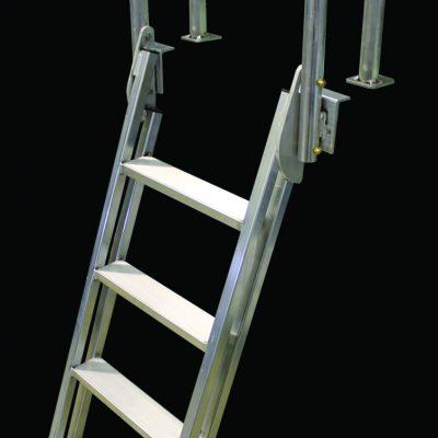 Dock Ladder Aluminum (20º Slanted) # 9079W